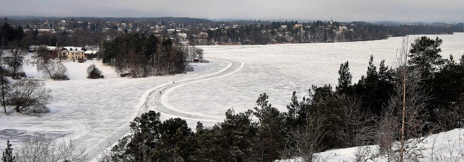Norrviken med plogad skridskobana. Foto: Rolf Olsson.